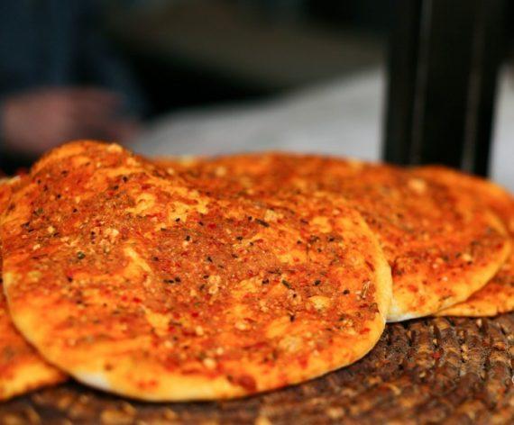 Katıklı-Biberli Ekmek (Ev Yapımı)